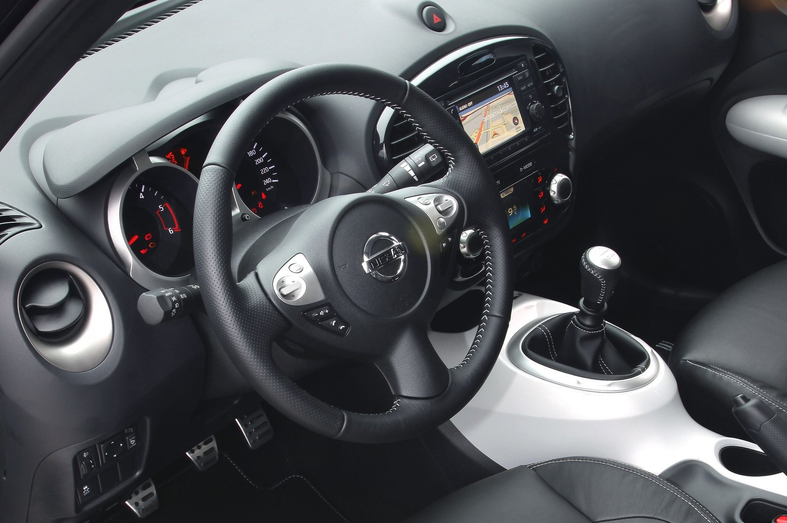 Intrieur 2 6 nissan juke shiro 2012 http nissan for Interieur nissan juke